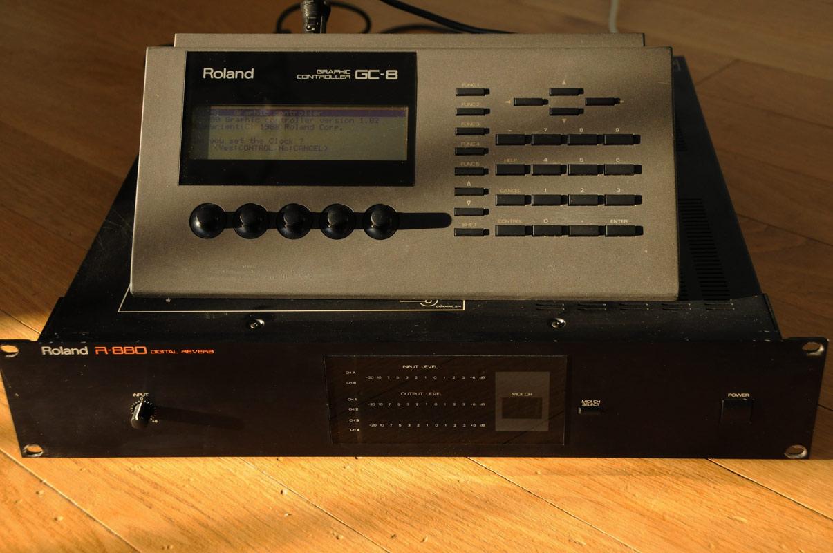 roland r 880 incl gc 8 graphic controller alan wilder auctions rh auction recoil co uk Roland MC-808 Roland VS-880